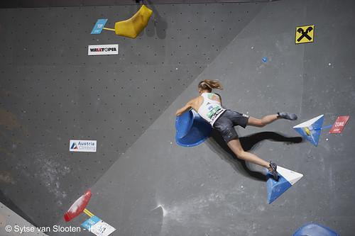 ifscwch-innsbruck-boulderfinals-women-friday-030-D4S_2285