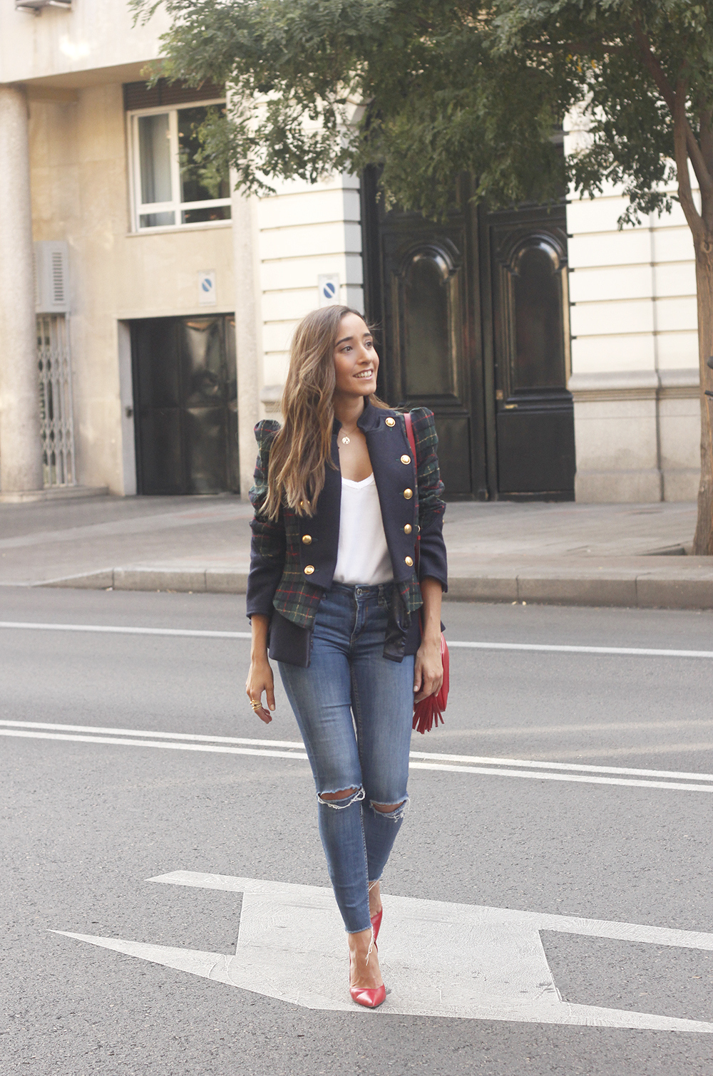 CHECKED BLAZER highly preppy gucci bag ripped jeans street style 2018 outfit11
