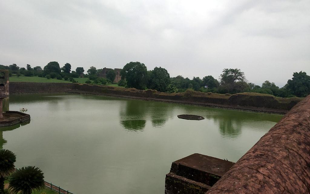 कपूर तालाब