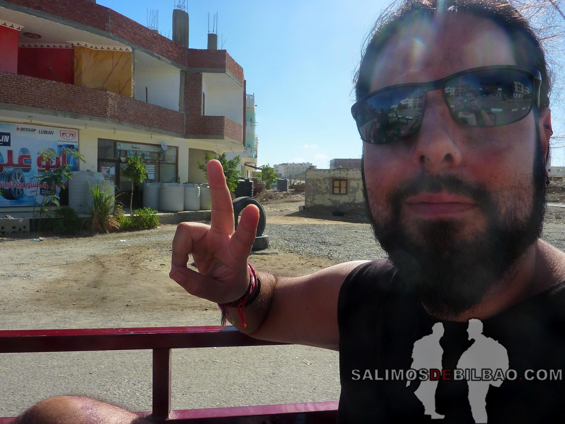 1071. Katz, en motocarro de Marsa Alam City a la playa 7 kilo