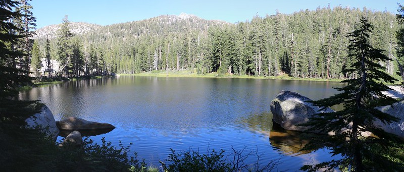 Rubicon Lake from the Tahoe-Yosemite Trail