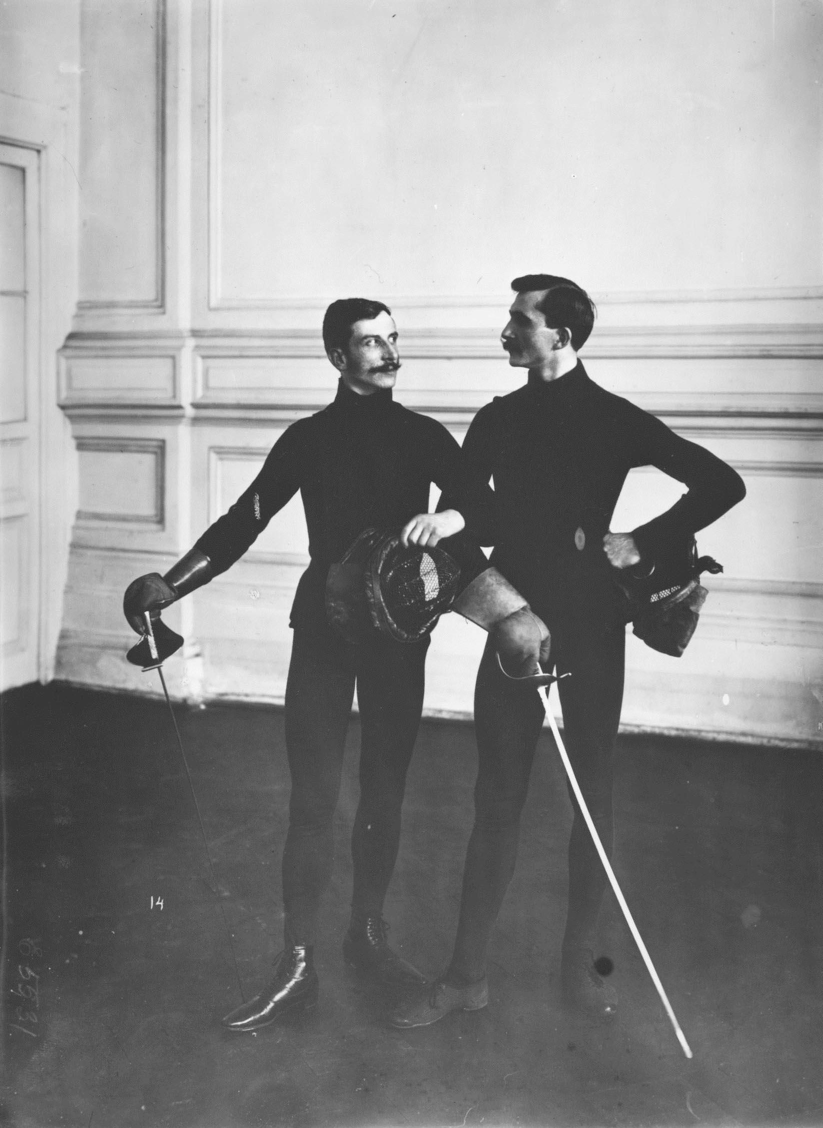 Члены фехтовальной группы. Петербург, 1907.