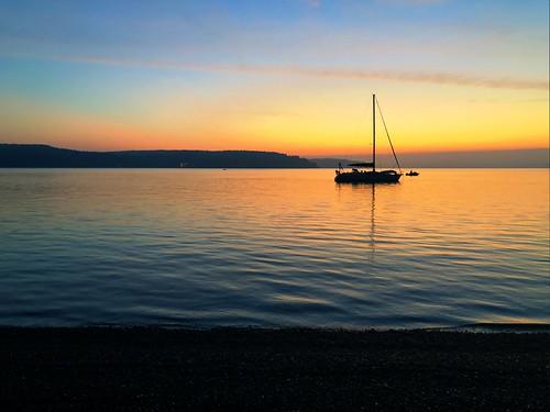 sailboatboatsalishseatacomasunrise
