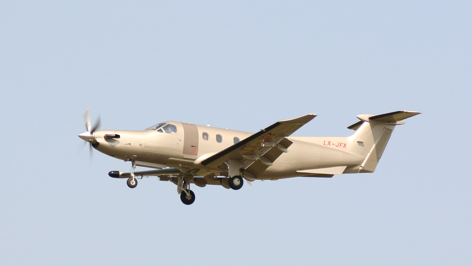 Aérodrome de La Baule Escoublac - Page 4 43399685014_134adb317c_h