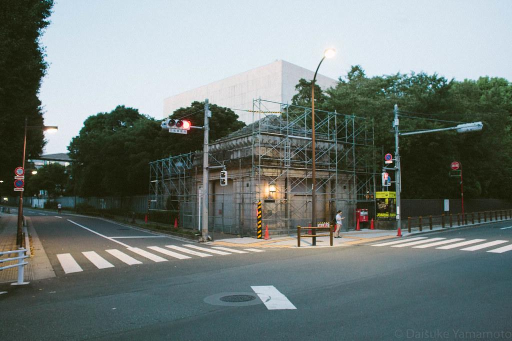 京成線、博物館動物園駅