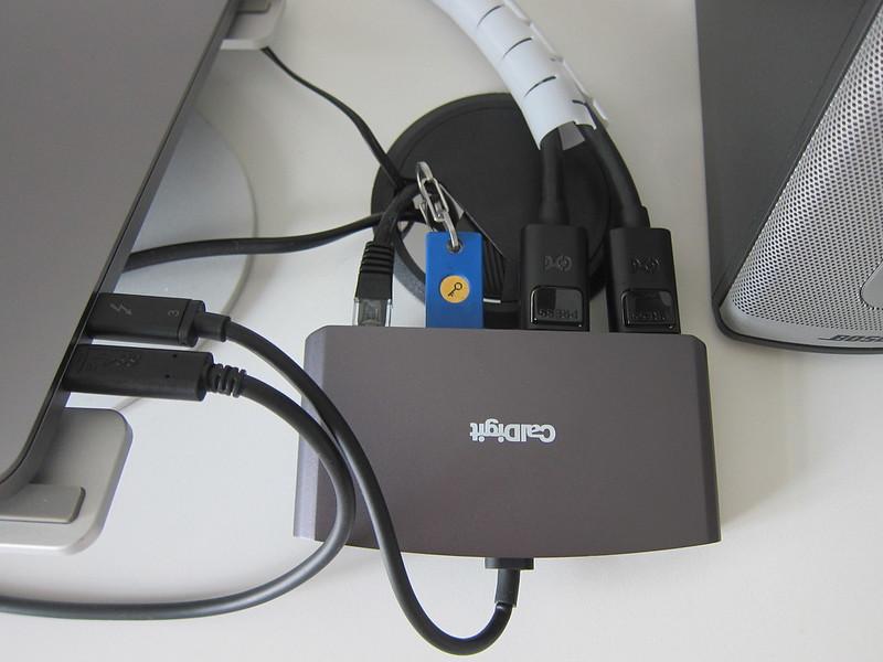 CalDigit - Thunderbolt 3 mini Dock (DisplayPort) - Connected