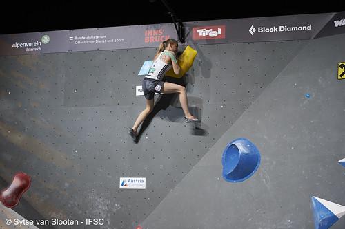 ifscwch-innsbruck-boulderfinals-women-friday-033-D4S_2301