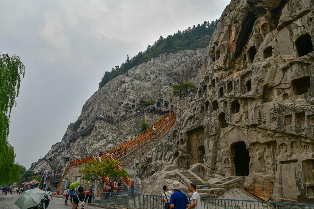 Luoyang 洛陽 / LONGMEN GROTTOES 龍門石窟