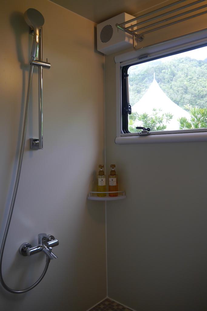 P1170629 衛浴淋浴區