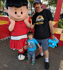 Meeting Theme Park Characters and Mascots