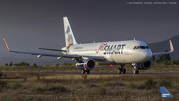 JetSMART A320 CC-AWB LSC (Alfredo Vera)