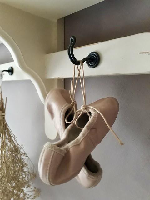 Ballerina's aan kapstok