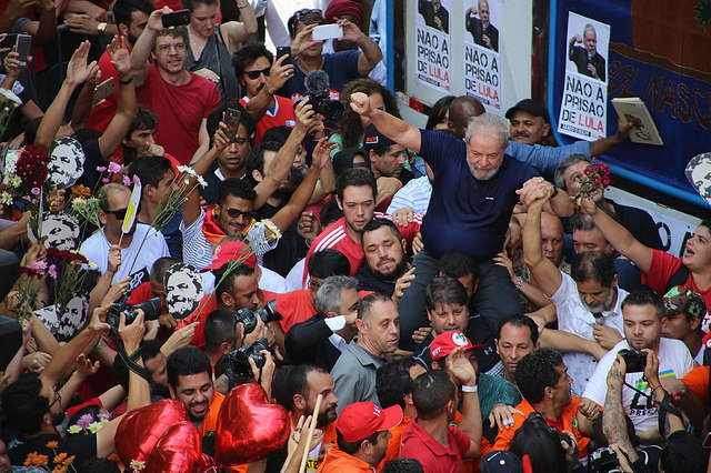 Held as a political prisoner since Apr. 7, Lula is unable to conduct his election campaign - Créditos: Júlia Dolce