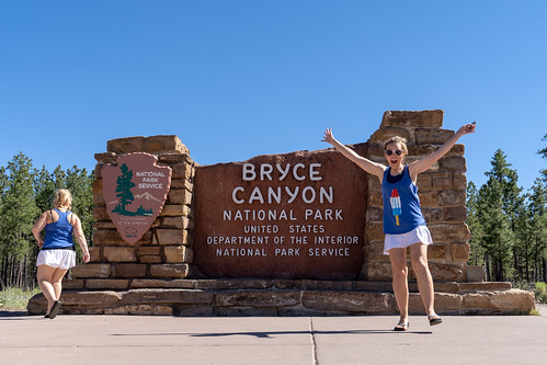Testing out the remote at Bryce Canyon National Park sign