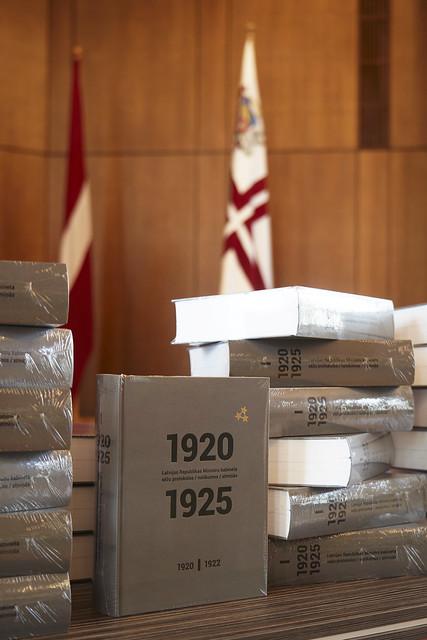 """12.09.2018. Grāmatas """"1920.-1925. gads Latvijas Republikas Ministru kabineta sēžu protokolos, notikumos, atmiņās"""" 1. sējuma """"1920.-1922. gads"""" atvēršanas pasākums"""