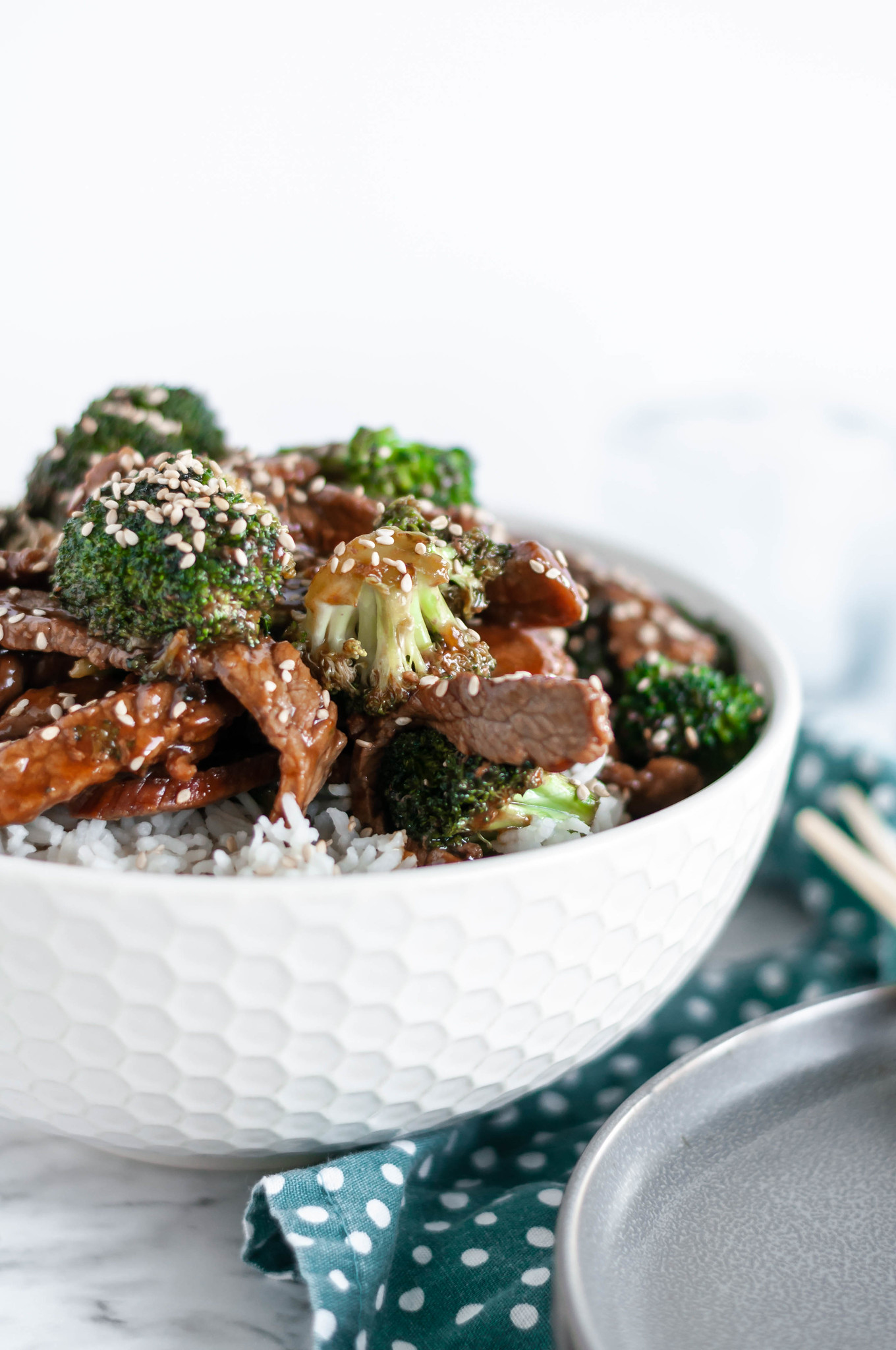 Sesame Beef and Broccoli is super simple and packed full of flavor. Perfect for weeknight dinners since it's done in less than 30 minutes.