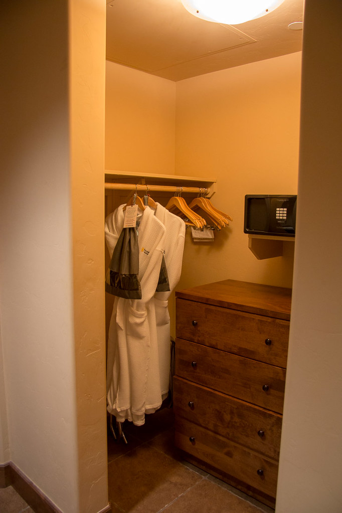Closet in Catalina King at Hacienda del Sol