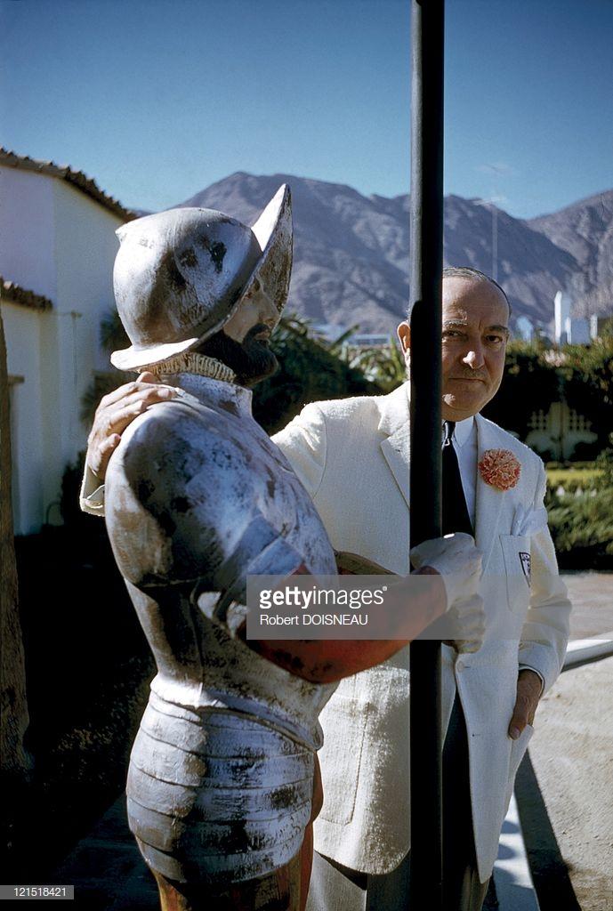 1960. Палм-Спрингс. Мужчина с манекеном