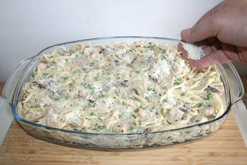 64 - Mit Parmesan bestreuen / Dredge with parmesan