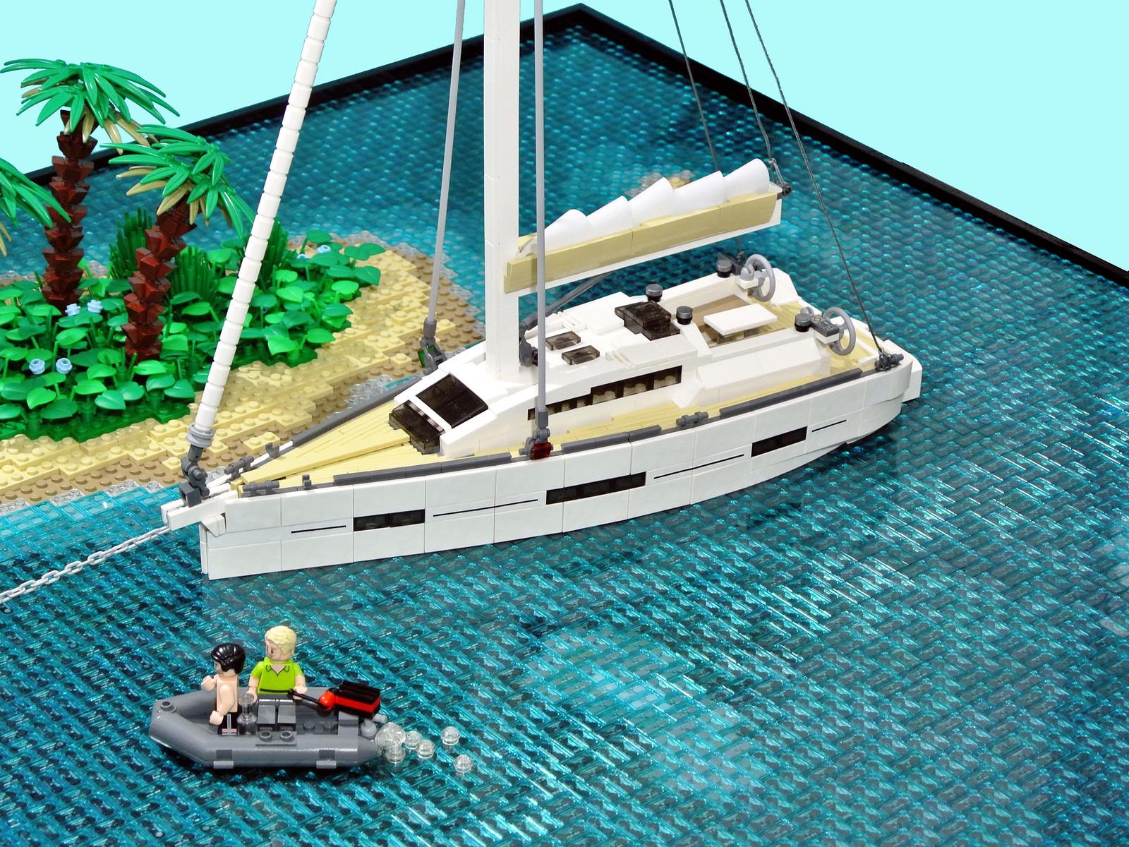 лего саморобка яхта в морі