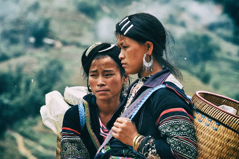 Hmong-guides,-sapa,-outlanderly