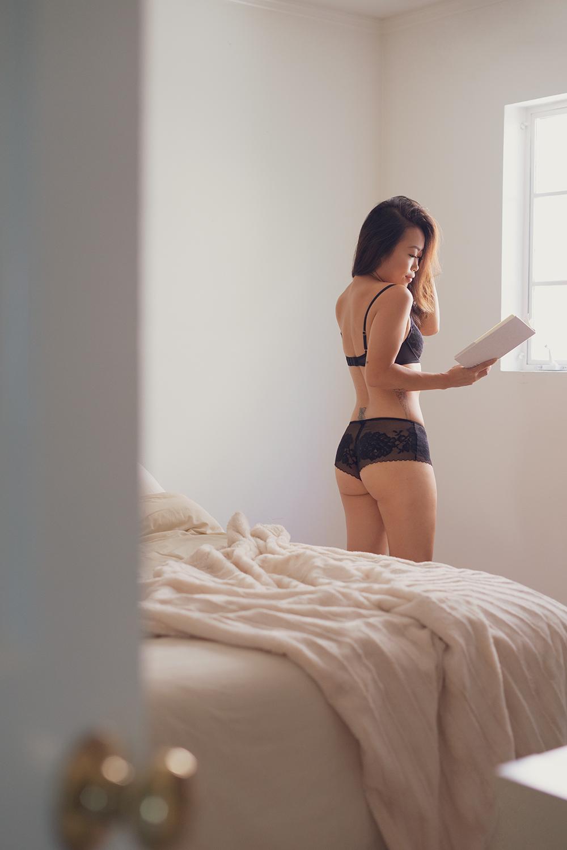 05natori-bra-lingerie-lifestyle