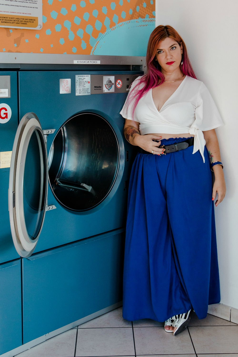 outfit plus size, curvy, taglie forti, crop top e panta palazzo (9)