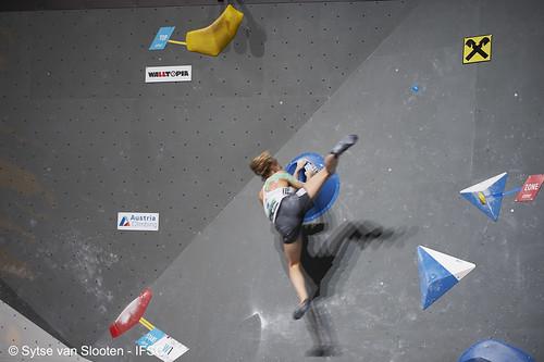 ifscwch-innsbruck-boulderfinals-women-friday-031-D4S_2287
