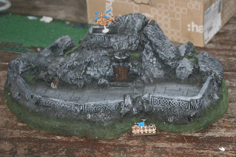[Nain] Le Dwarf Mountain Stronghold 44283568732_0eb31a1de8_c