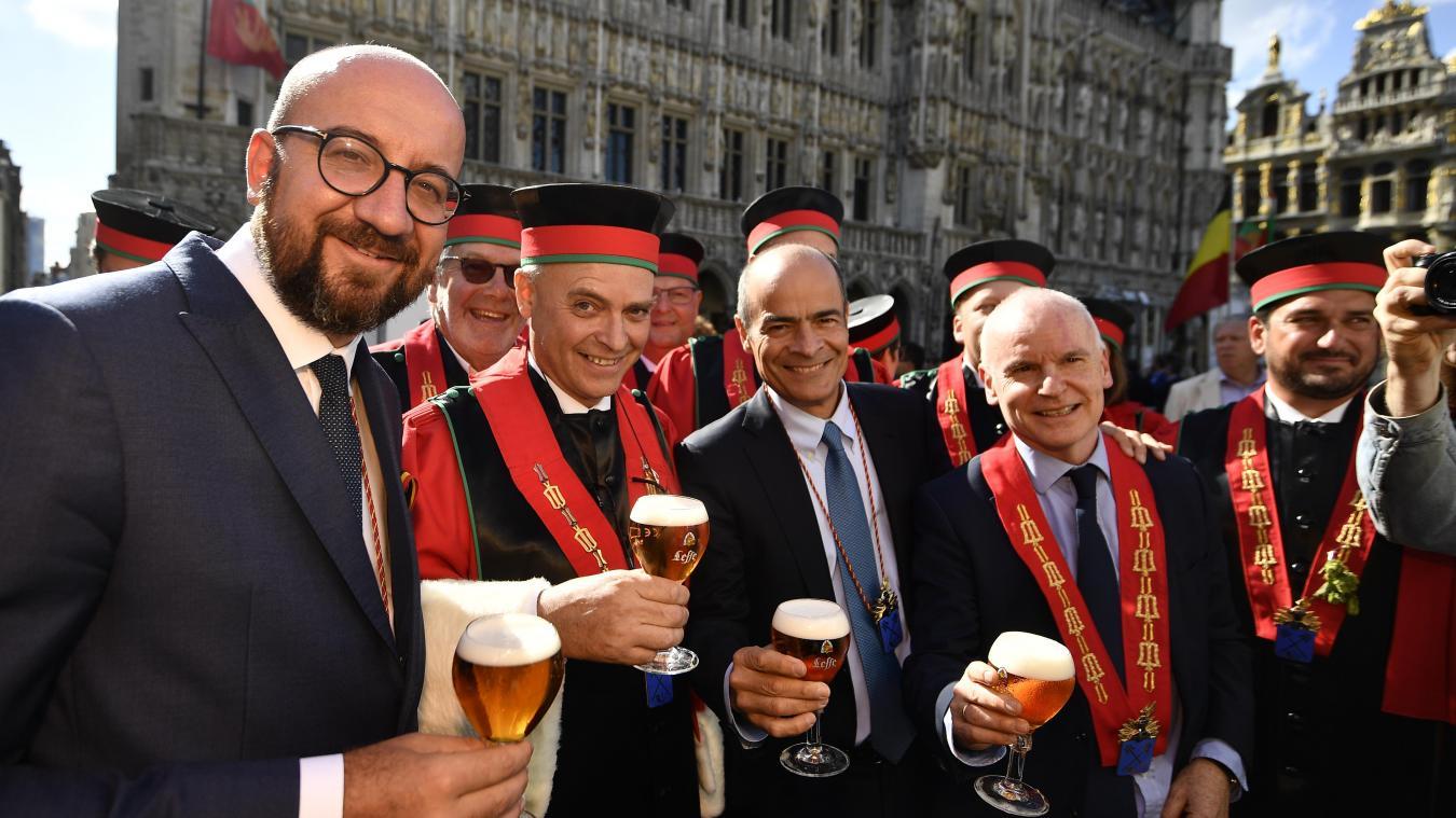 В Брюсселе прошли церемонии благословения пива и посвящения в пивные рыцари