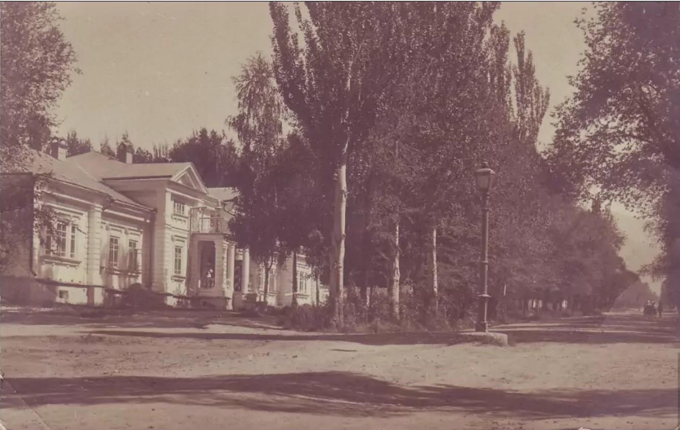 Дом и канцелярия военного губернатора