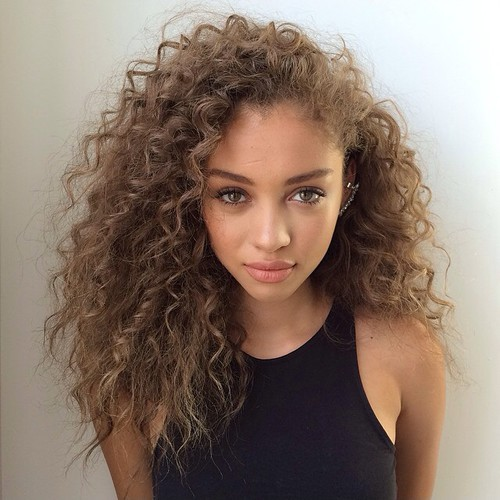 Best Haircuts For Curly Hair 2019 That Stand Out 24