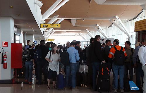 CJC pasajeros fila unica pasillo (RD)