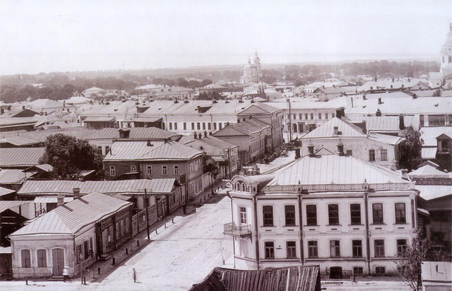 Вид с Воскресенского храма в сторону Кромской улицы