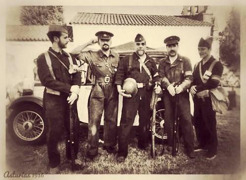 Carabineros leales a la República en el cerco de Oviedo, 1936