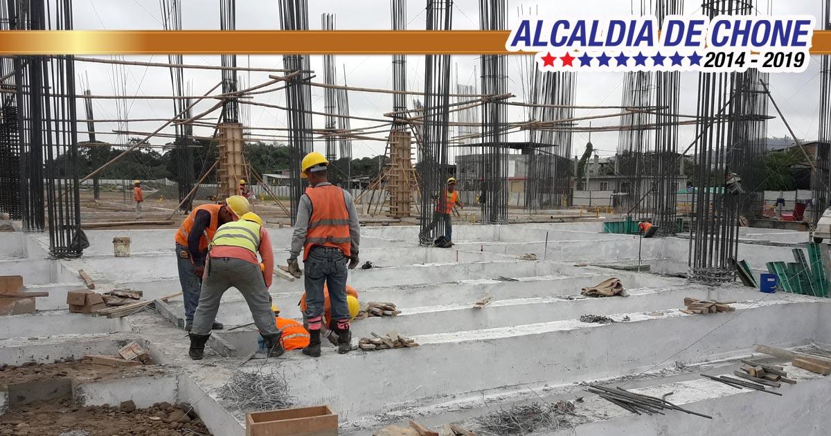 Continúan los trabajos del nuevo mercado municipal de Chone 15% de avance