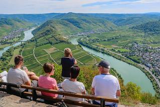 Panorama-Ausblick am Calmont-Gipfelkreuz