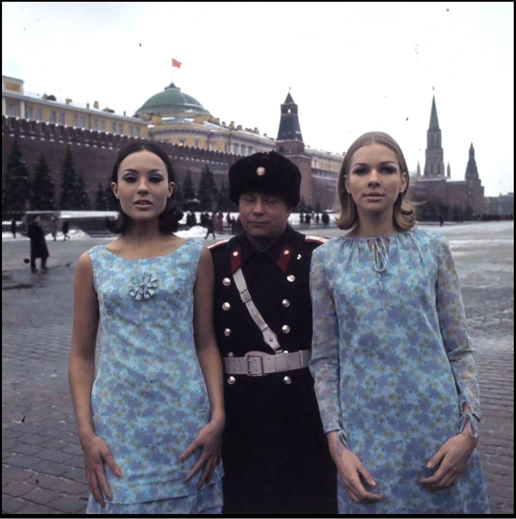 1965. Фотограф Пол Хаф и его модели в Москве