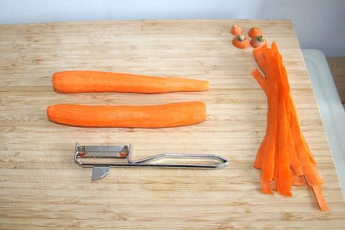 17 - Möhren schälen / Peel carrots