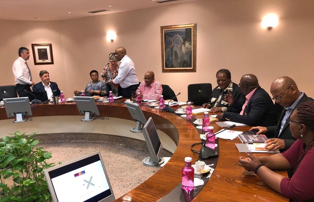 Hegoafrika-parlamentarien bisita
