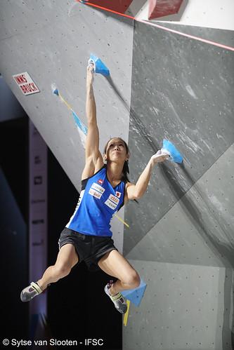 ifscwch-innsbruck-boulderfinals-women-friday-015-D85_3021