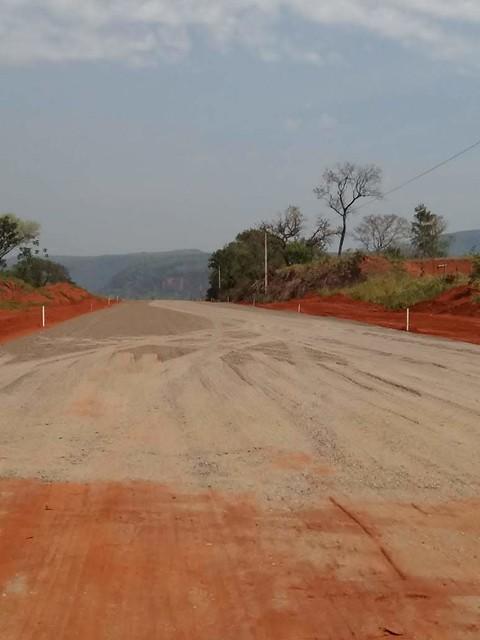 2019 . Pavimentação Região do Acambapi