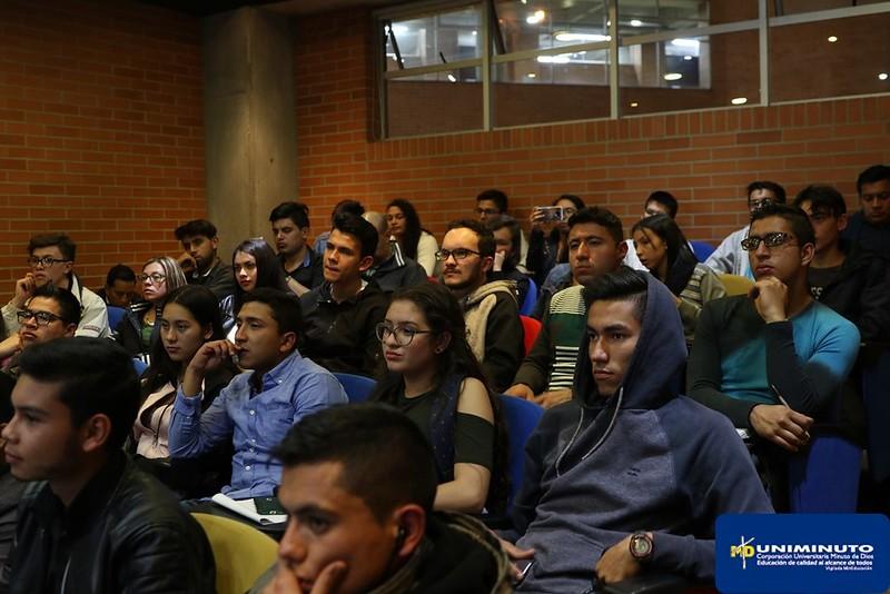 Universidad de AMBIS visita nuestras instalaciones