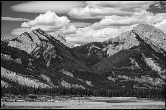 Along the Athabasca River, Fujifilm X-Pro1, XF55-200mmF3.5-4.8 R LM OIS