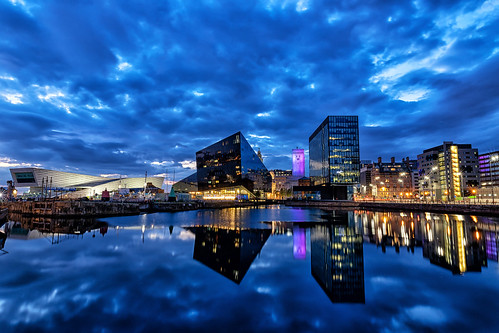 liverpool albert dock museum long exposure blue hour clouds night shot nightshot landscape waterscape canning reflection reflections