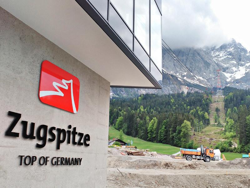 Teleférico del Zugspitze que lleva hasta la montaña más alta de Alemania