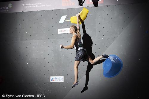 ifscwch-innsbruck-boulderfinals-women-friday-034-D4S_2317
