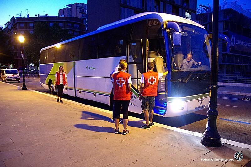 2018_08_19_llegada migrantes bus bcn_ManuelRoldán (6)