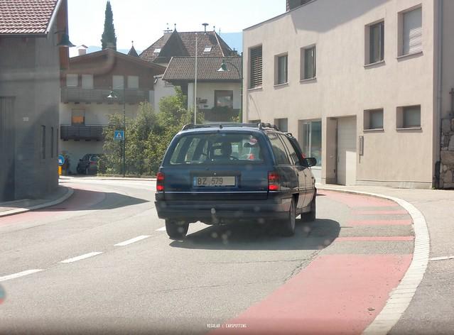 Opel Omega A Caravan, Nikon COOLPIX P310