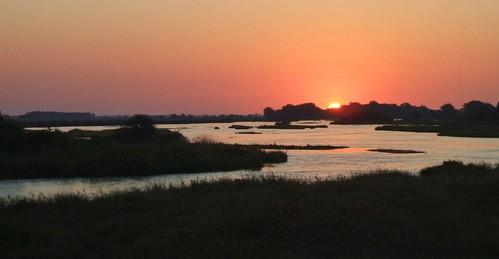 platteriver nebraska platterivervalley kearneycounty sunrise river trees greatplains